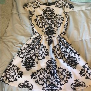 Dresses & Skirts - Black and white homecoming dress